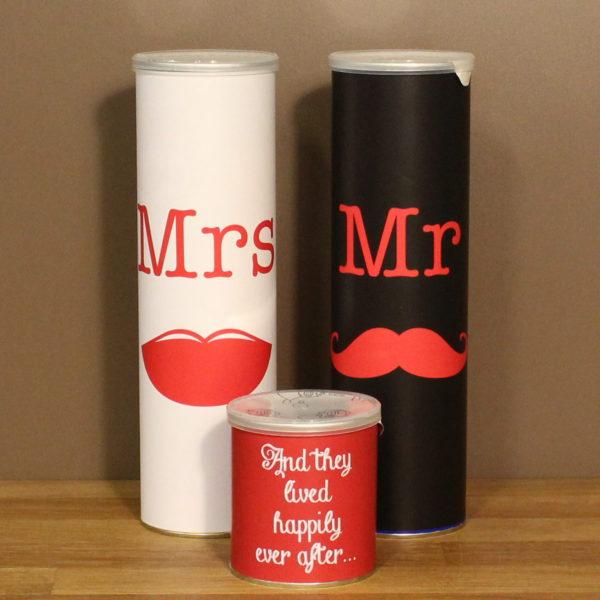 Huwelijk cadeau pringles buizen Mr.&Mrs.