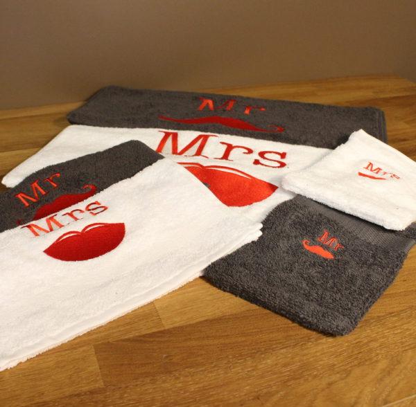 Huwelijkscadeau handdoek washandje mister&misses mr.&mrs.