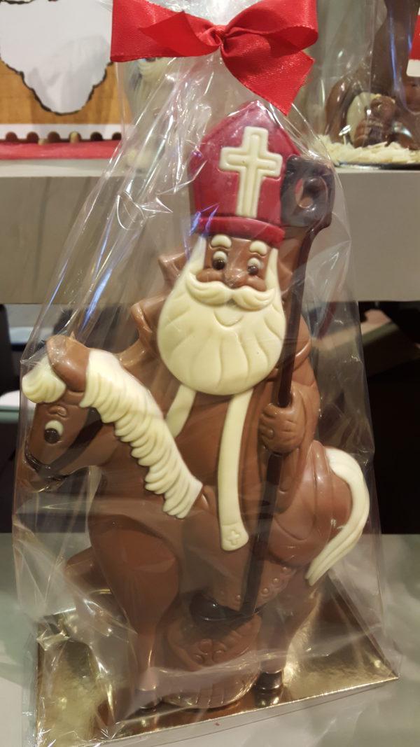 Sinterklaas Sint Maarten paard grote chocoladen figuur
