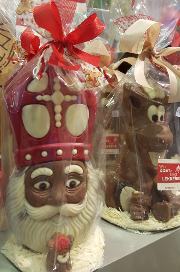 Sinterklaas paard grote chocoladen figuren