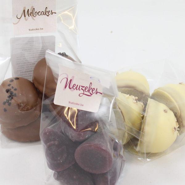 delicatessen-neuzen-negerzoenen-wit-bruin-negerinnetetten