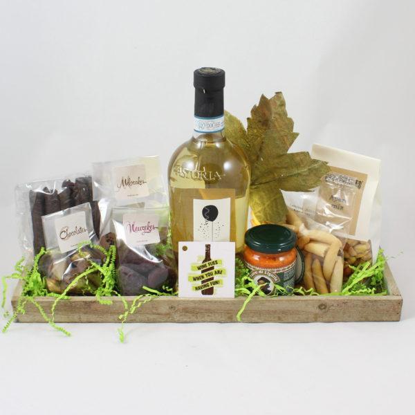 geschenkmand-pakket-wijn-delicatessen