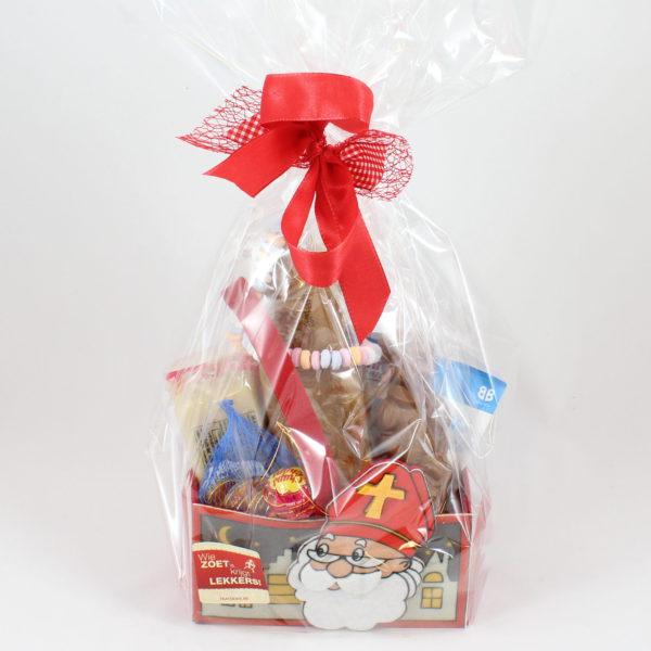 Sinterklaas-verpakking-mandje-chocolade-marsepein
